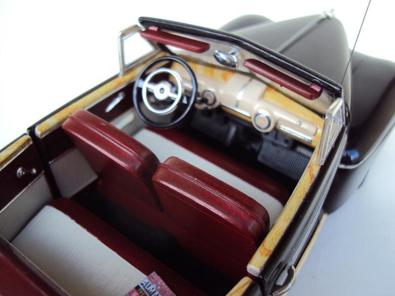 Ford 1946 convertible (Biff Tannen) Dsc02018