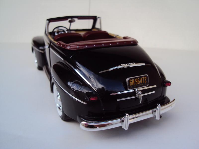 Ford 1946 convertible (Biff Tannen) Dsc02019