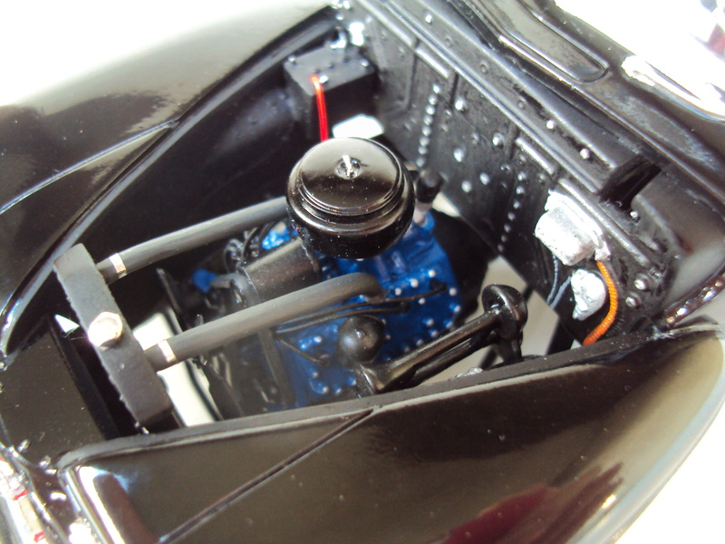 Ford 1946 convertible (Biff Tannen) Dsc02020