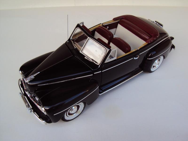 Ford 1946 convertible (Biff Tannen) Dsc02022