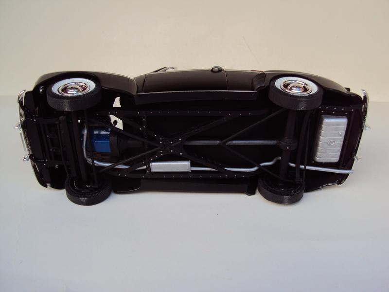 Ford 1946 convertible (Biff Tannen) Dsc02023