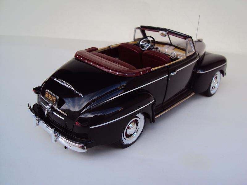 Ford 1946 convertible (Biff Tannen) Dsc02026
