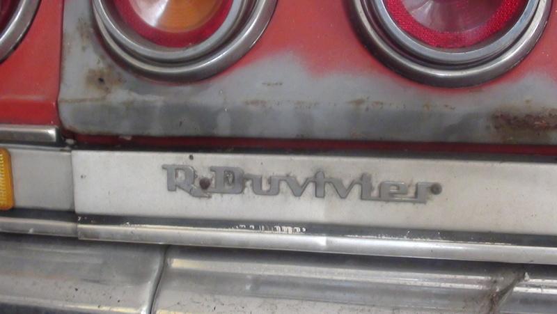 j ai trouve une caisse pour ma fille chevrolet impala 1965 Dsc02121