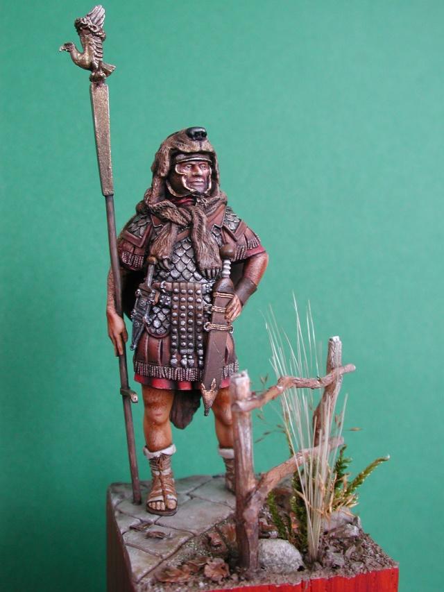 Aquilifer romain  Aqui_010
