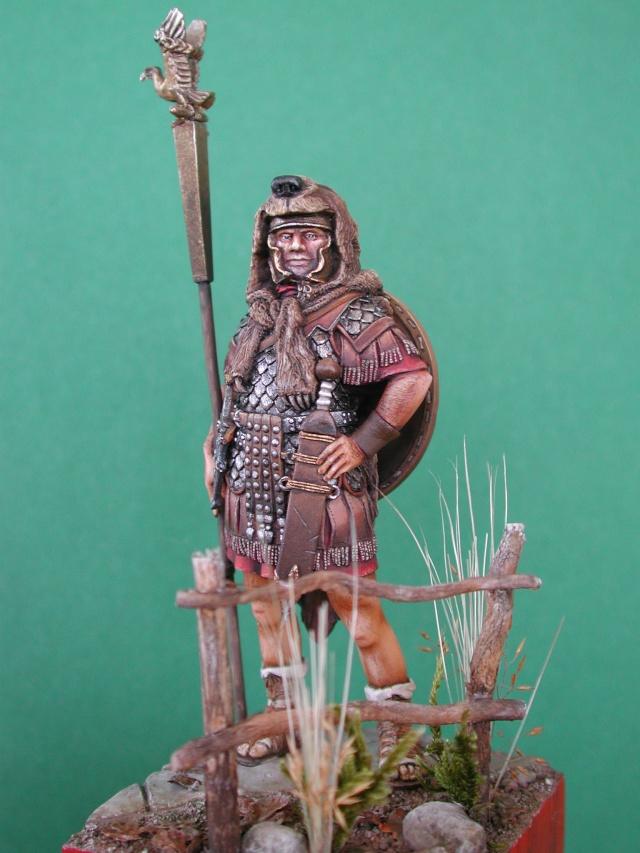 Aquilifer romain  Aquili15