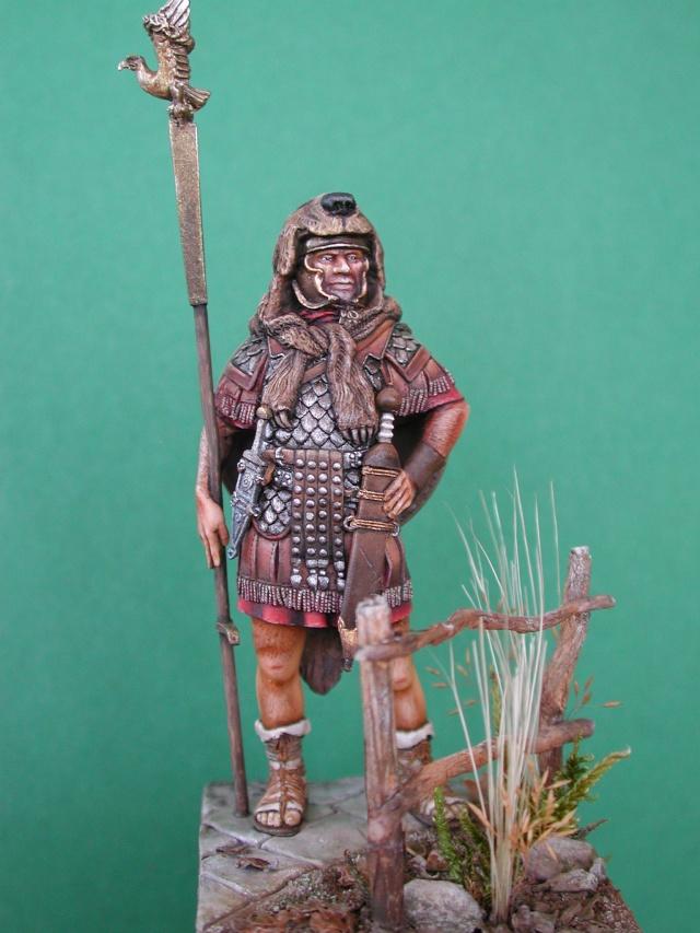 Aquilifer romain  Aquili16