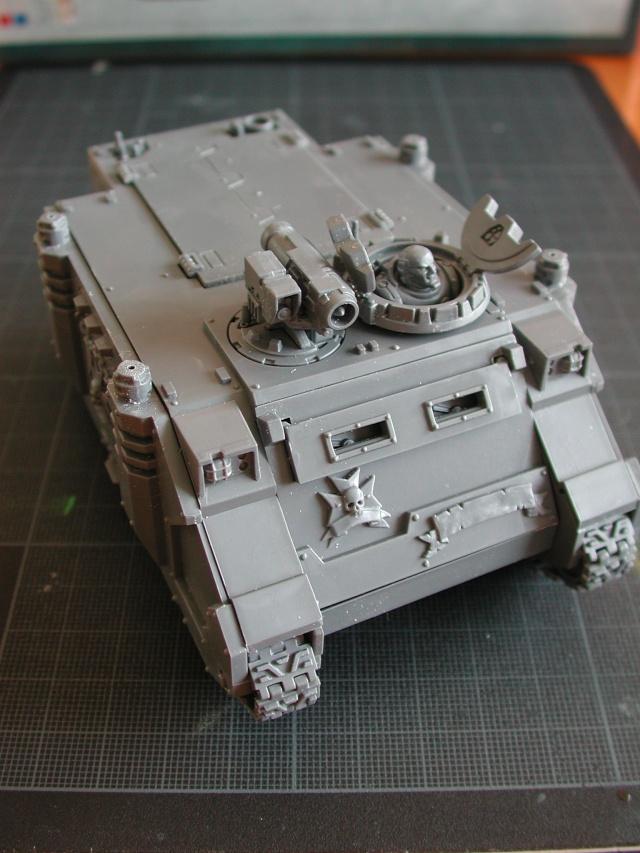 Mon armée de Black Templar en construction Rhino_11