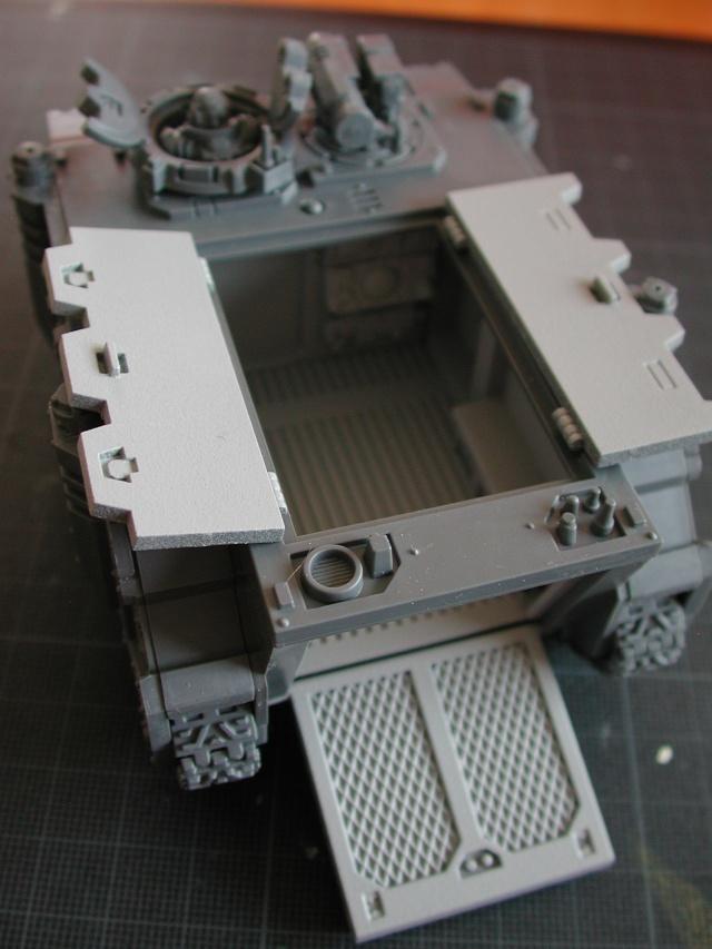 Mon armée de Black Templar en construction Rhino_12