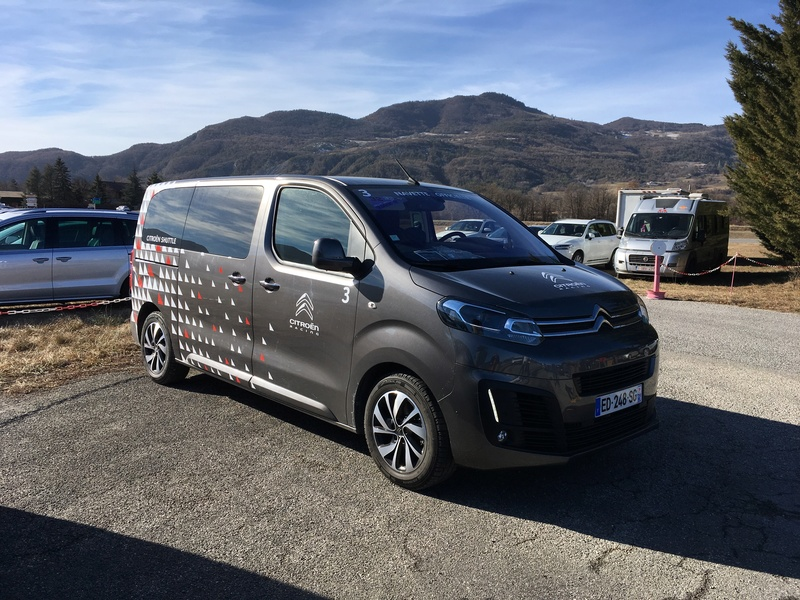 2016 - [Citroën/Peugeot/Toyota] SpaceTourer/Traveller/ProAce - Page 29 Photo_10
