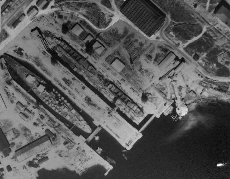 [Les ports militaires de métropole] Port de Brest - TOME 1 - Page 38 Brest-13