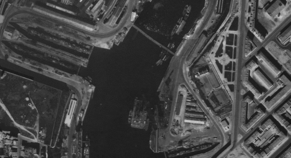 [Les ports militaires de métropole] Port de Brest - TOME 1 - Page 38 Brest-14