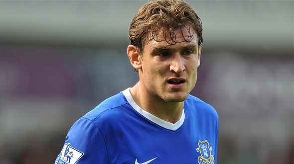 7:  Nikica Jelavic - Ranging in on Goal - Page 10 Efc_1312