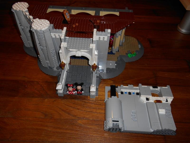 LEGO 71040 Chateau Disney Dscn4025