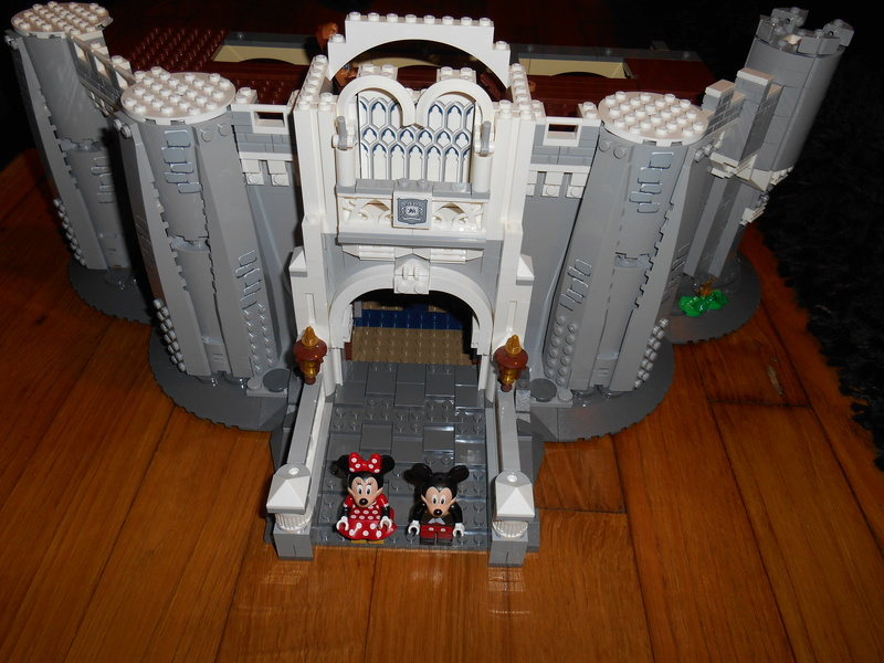 LEGO 71040 Chateau Disney Dscn4029