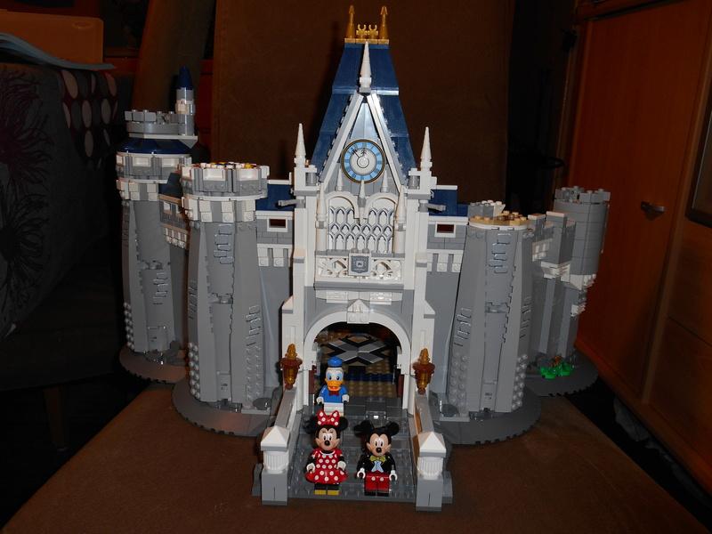 LEGO 71040 Chateau Disney Dscn4031
