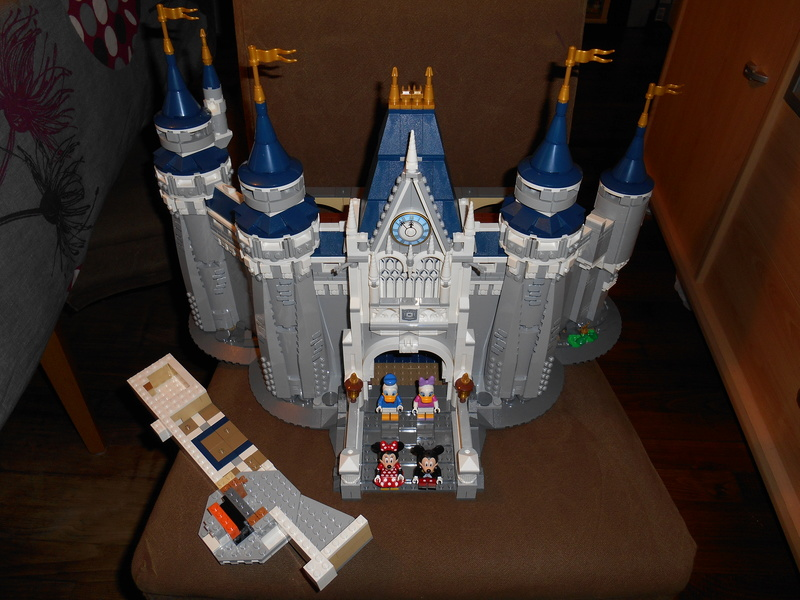 LEGO 71040 Chateau Disney Dscn4032