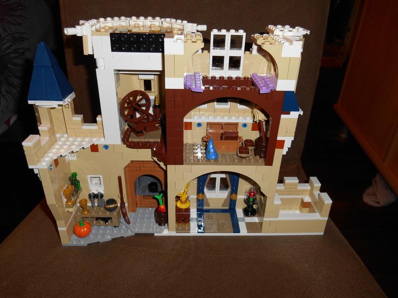 LEGO 71040 Chateau Disney Dscn4114