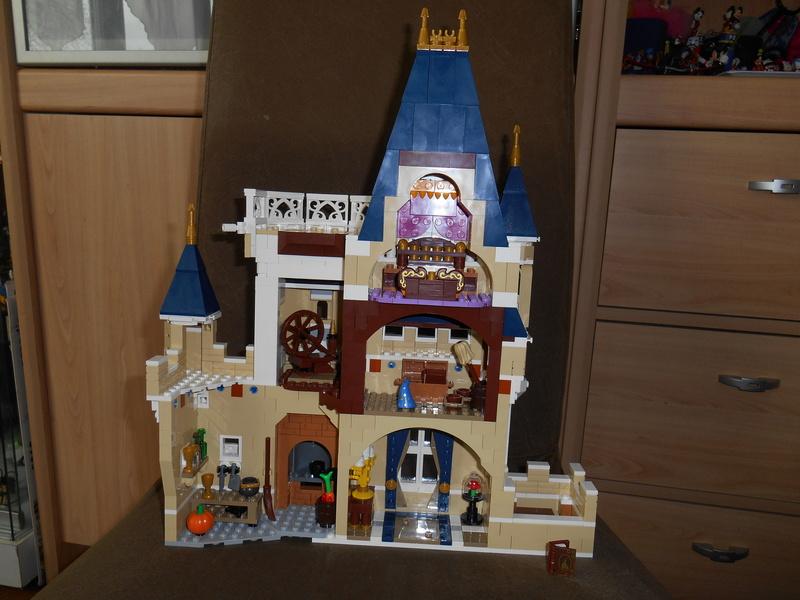 LEGO 71040 Chateau Disney Dscn4118