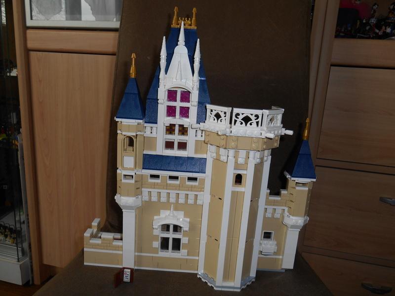 LEGO 71040 Chateau Disney Dscn4119