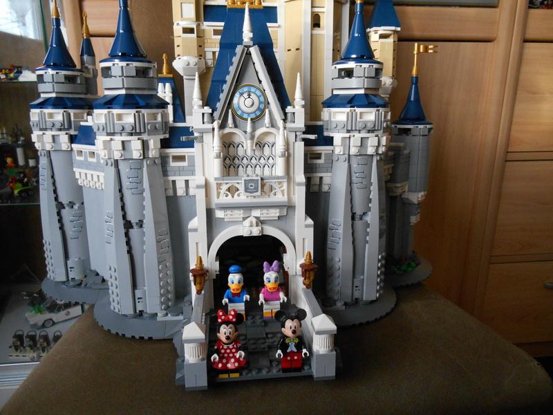 LEGO 71040 Chateau Disney Dscn4122