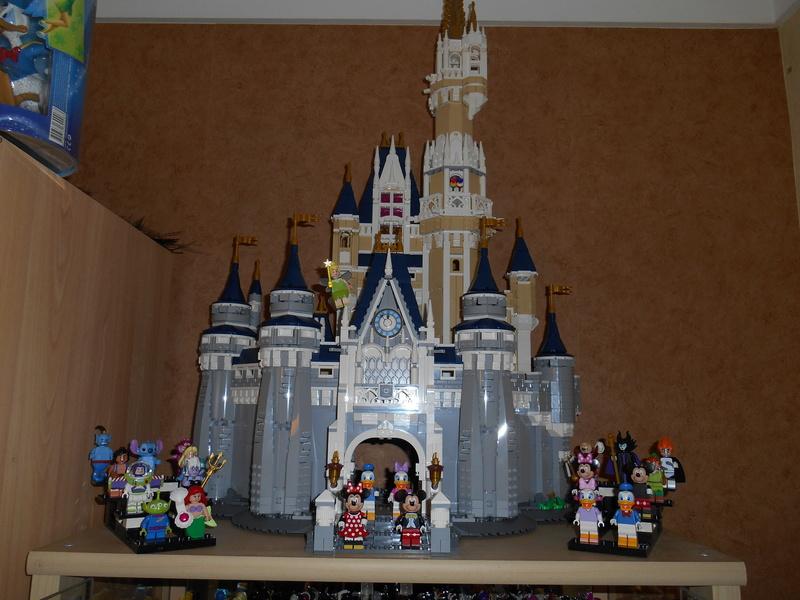 LEGO 71040 Chateau Disney Dscn4125