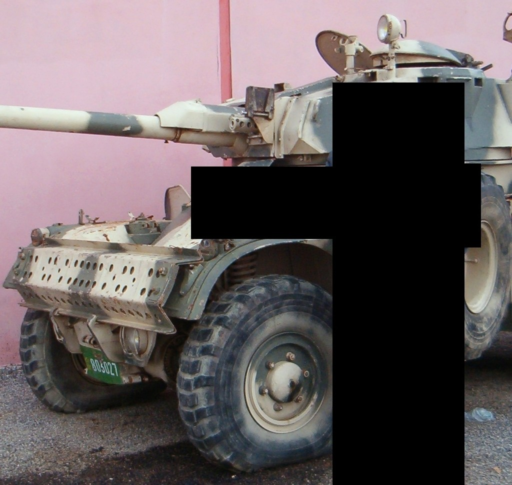 Panhrad AML-90 et Eland-90 Mk6 Clipbo72