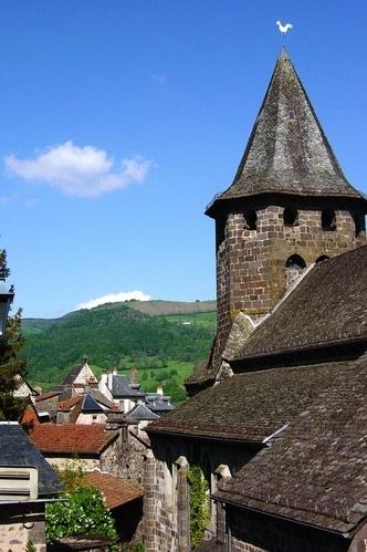 Villes et villages de charme du Cantal Aglise10