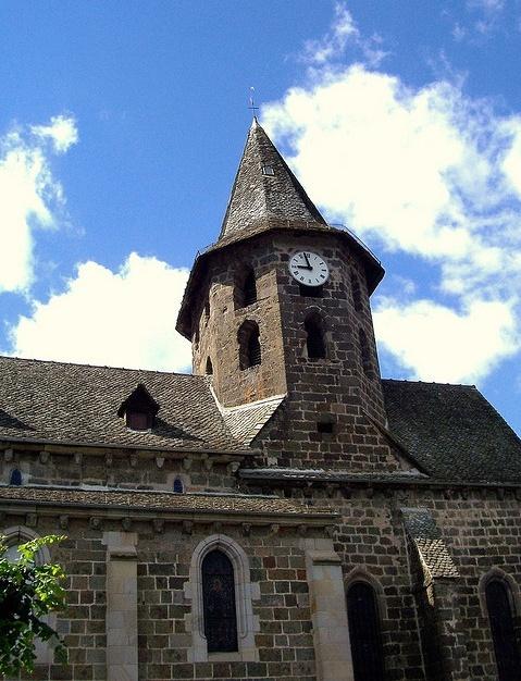 Villes et villages de charme du Cantal Aglise11