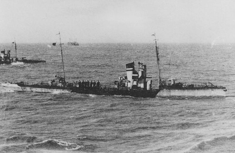 torpilleurs Corps torpilleurs et marins A_42_e10
