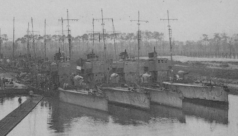 torpilleurs Corps torpilleurs et marins A_47_a10