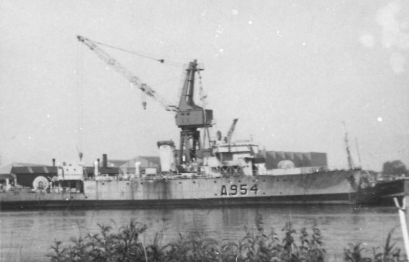 M900 / A954 Adrien De Gerlache (ex HMS Liberty) - Page 5 De_ger15
