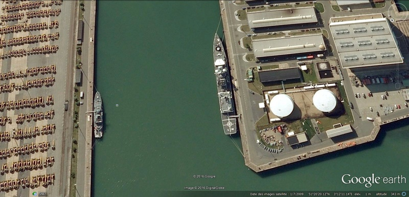 base de Zeebruges vues Google Earth (2009) Zbga10