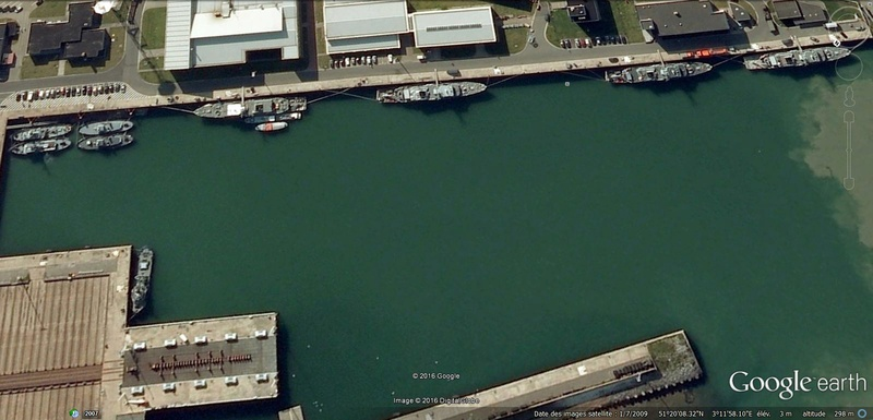 base de Zeebruges vues Google Earth (2009) Zbgb10