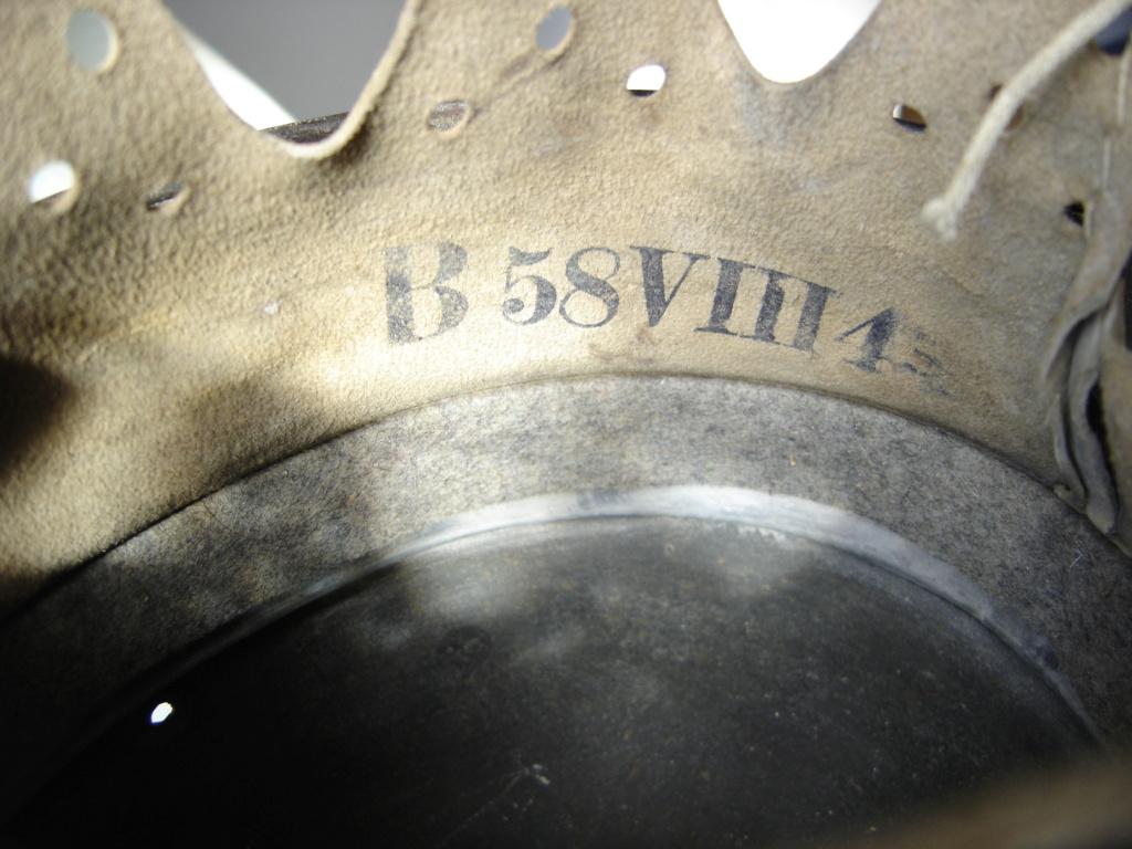 pour authentification casque waffen modèle 40 Dsc02010