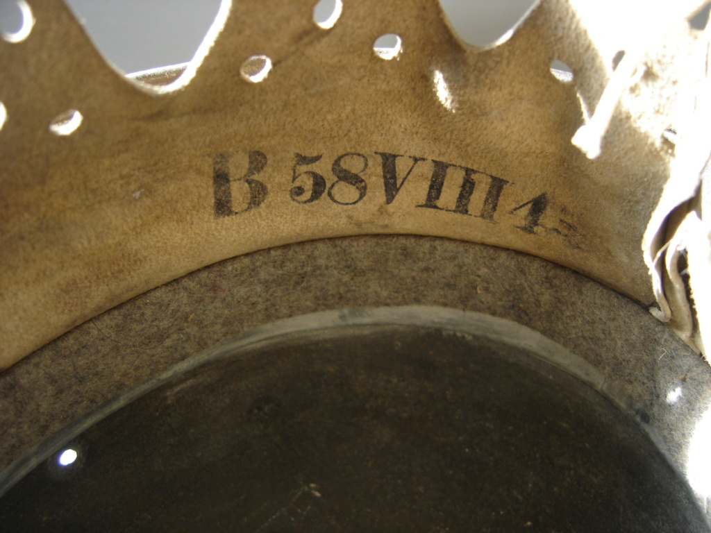 pour authentification casque waffen modèle 40 Dsc02011