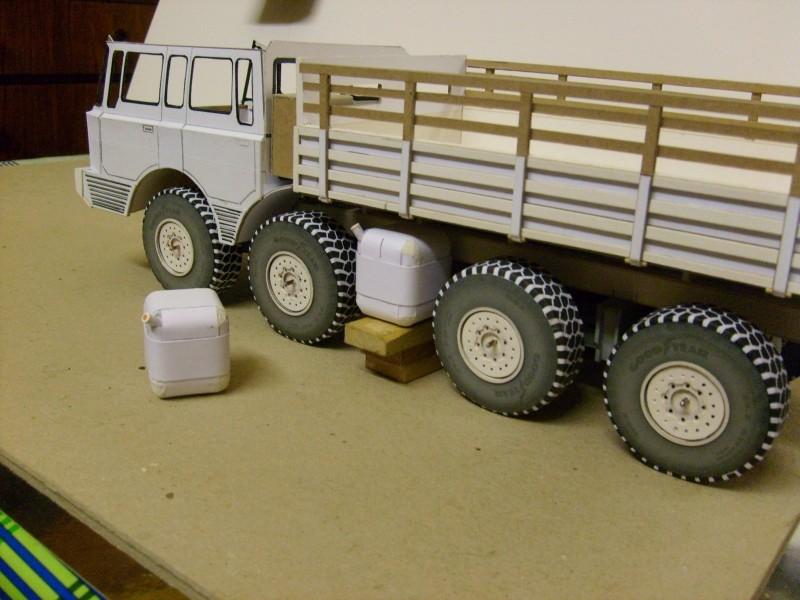 LKW TATRA 813 KOLOS M 1:20 gebaut von klebegold - Seite 2 116k11