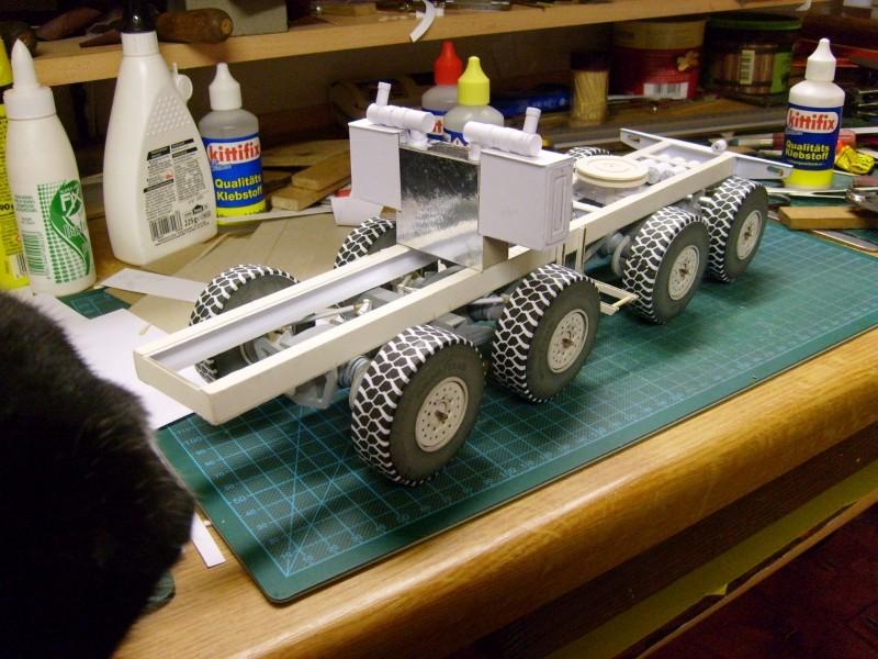 LKW TATRA 813 KOLOS M 1:20 gebaut von klebegold - Seite 2 124k10