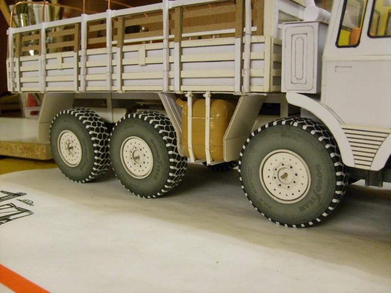 LKW TATRA 813 KOLOS M 1:20 gebaut von klebegold - Seite 2 155k10