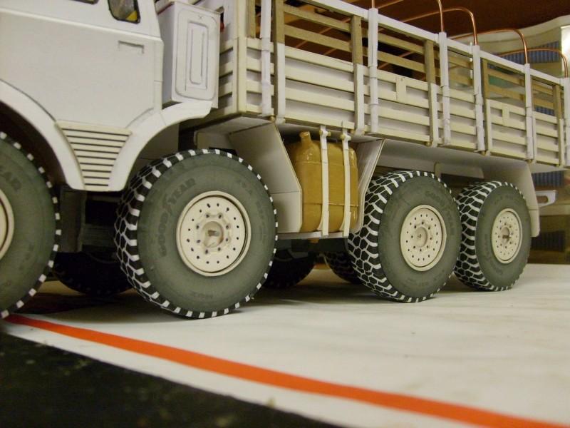 LKW TATRA 813 KOLOS M 1:20 gebaut von klebegold - Seite 2 156k10