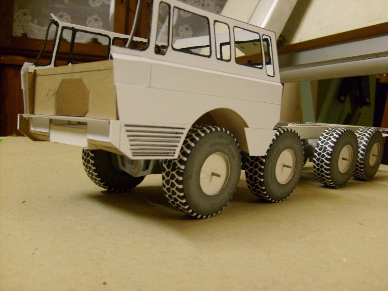 LKW TATRA 813 KOLOS M 1:20 gebaut von klebegold 70k10