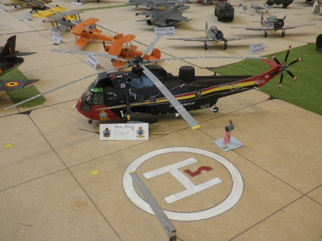 Cherche Photos d'intérieur,de détails, etc des Sikorsky H-34 26477410