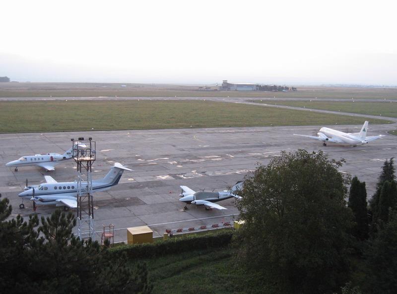 Aeroportul Suceava (Stefan cel Mare) - 2008 - Pagina 5 Img_8511