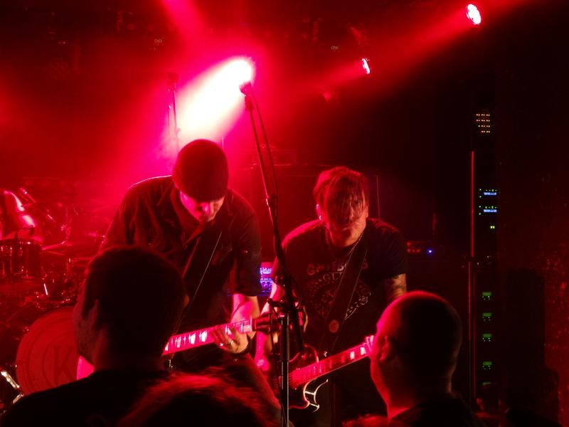 Reviews concerts autres groupes - Page 12 Dsc03621