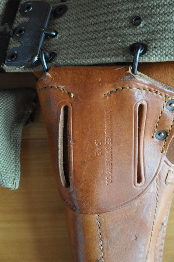 Les holsters pour 1911 et 1911A1 Holste11