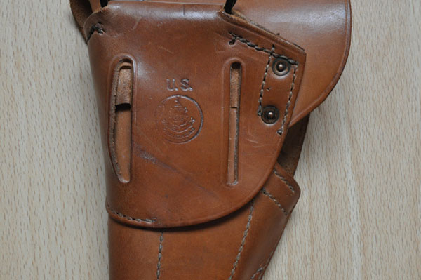 Les holsters pour 1911 et 1911A1 Holste20