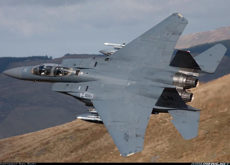 Para quem gosta de aviões - Página 4 F-15e10