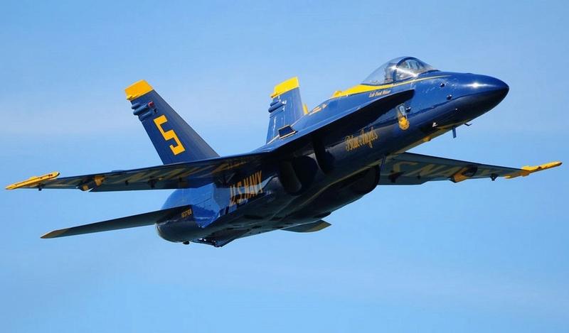 Para quem gosta de aviões - Página 3 F-18_b10