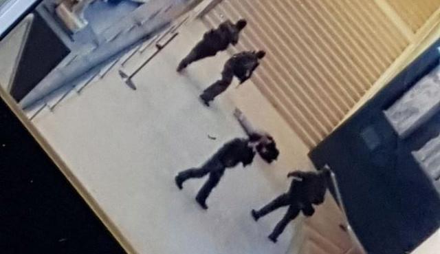 les paras de sentinelle agressés au Louvre 20170210