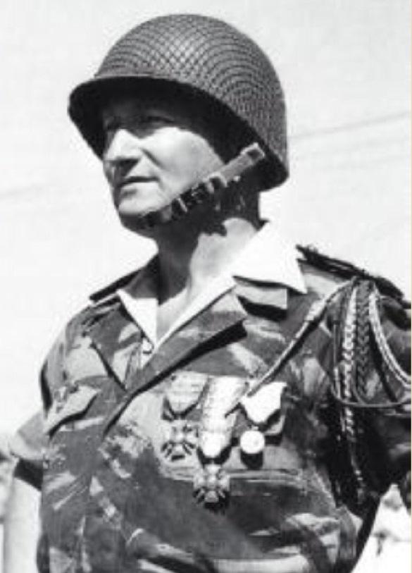 Le 1er R.C.P. rend hommage à un de leur chef de corps prestigieux Img_0810