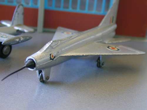 Dinky Toys GAMD Mystère IV et BAC Lightning Dscn9827
